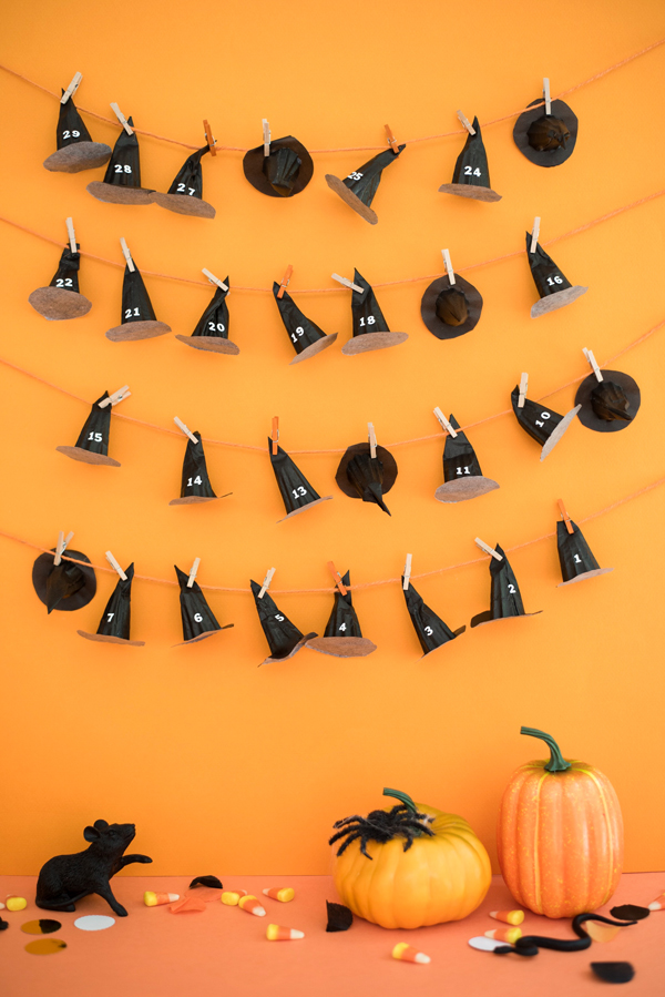 Halloween DIY Countdown Calendar tutorial - cute idea to count down the days until Halloween!