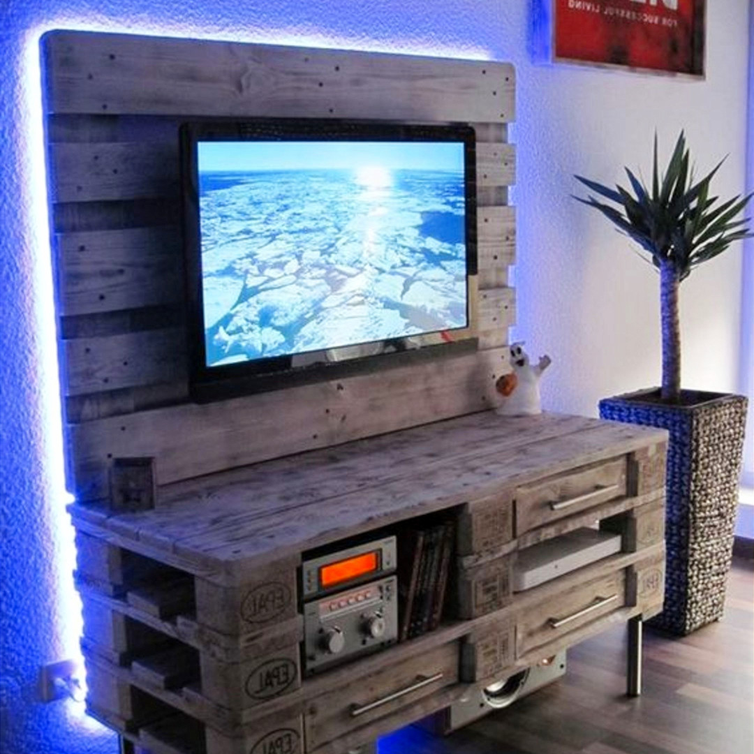 Pallet Projects - Pallet TV stand entertainment center made from old pallets and pallet wood - love the lights! Simply AMAZING DIY Pallet Projects and Pallet Furniture Ideas To Make