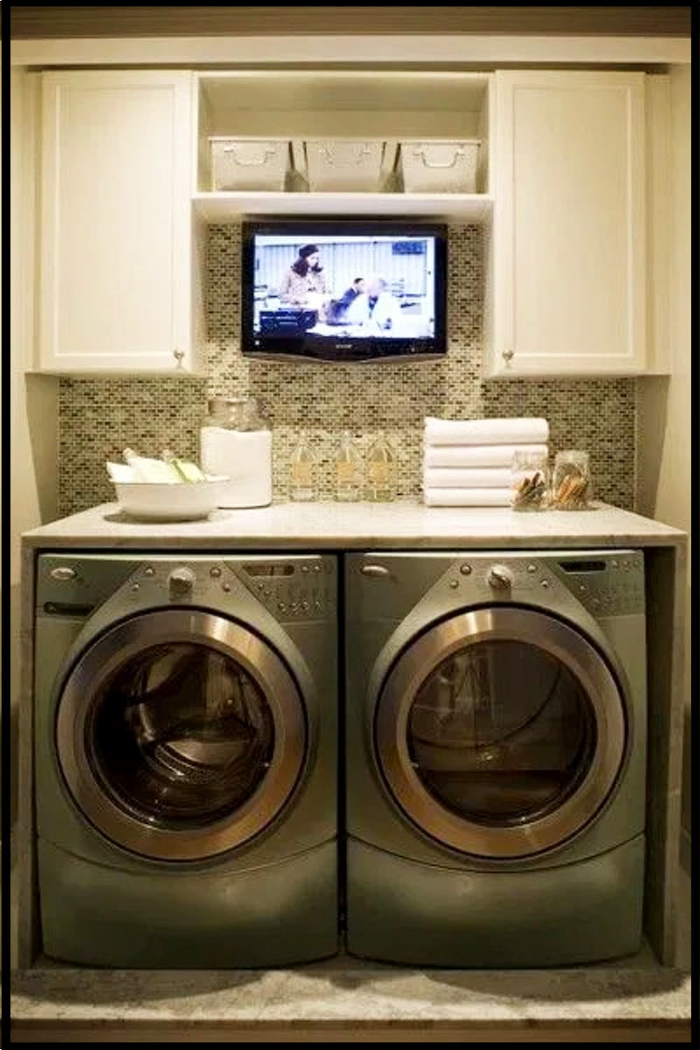 Simple Laundry Room Design and more laundry room ideas - clever and cute small laundry room ideas on a budget