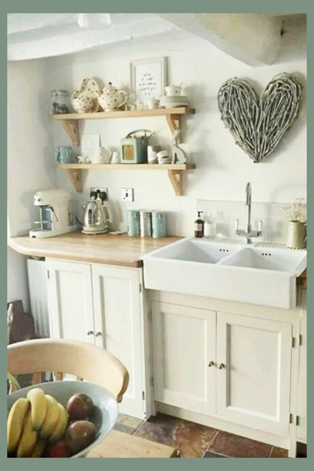 Farmhouse kitchen ideas - small country cottage farmhouse kitchen decorating ideas on a budget