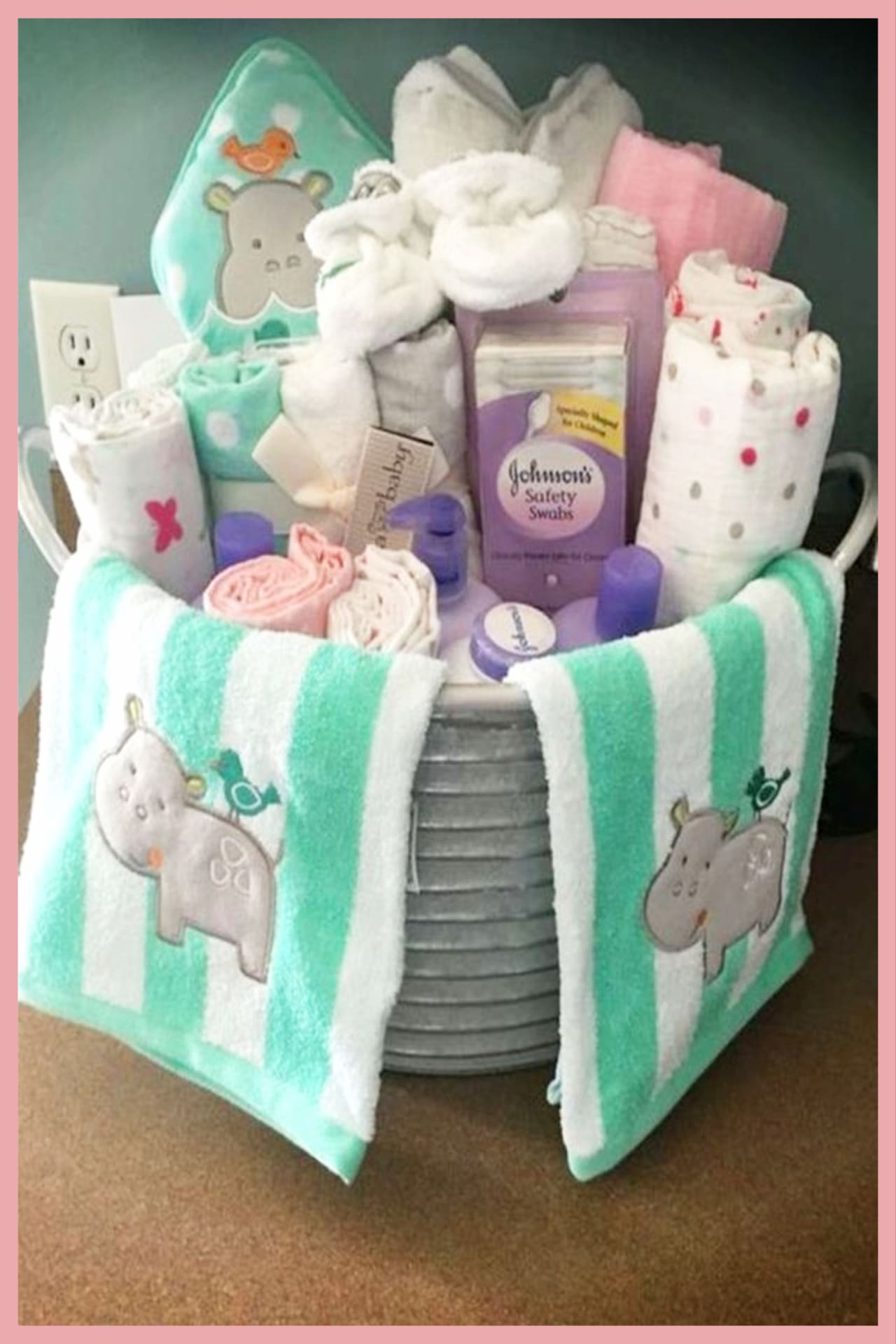 Baby shower gift basket ideas - unique and easy DIY baby shower gift ideas for unknown gender