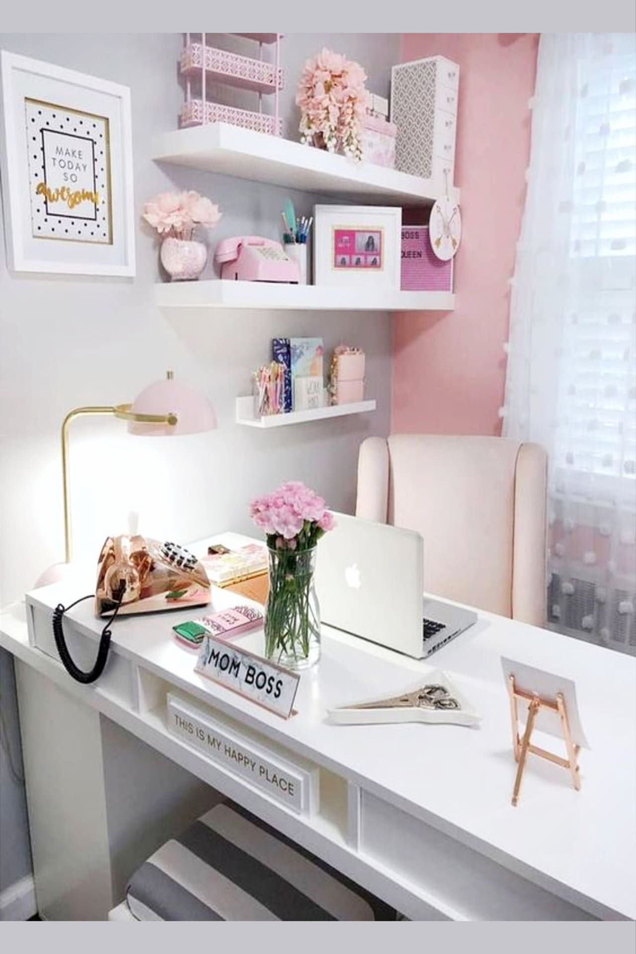 Home Office Ideas for Women (even if you're on a budget) Pretty small spaces and glam and elegant home office inspiration for work at home moms