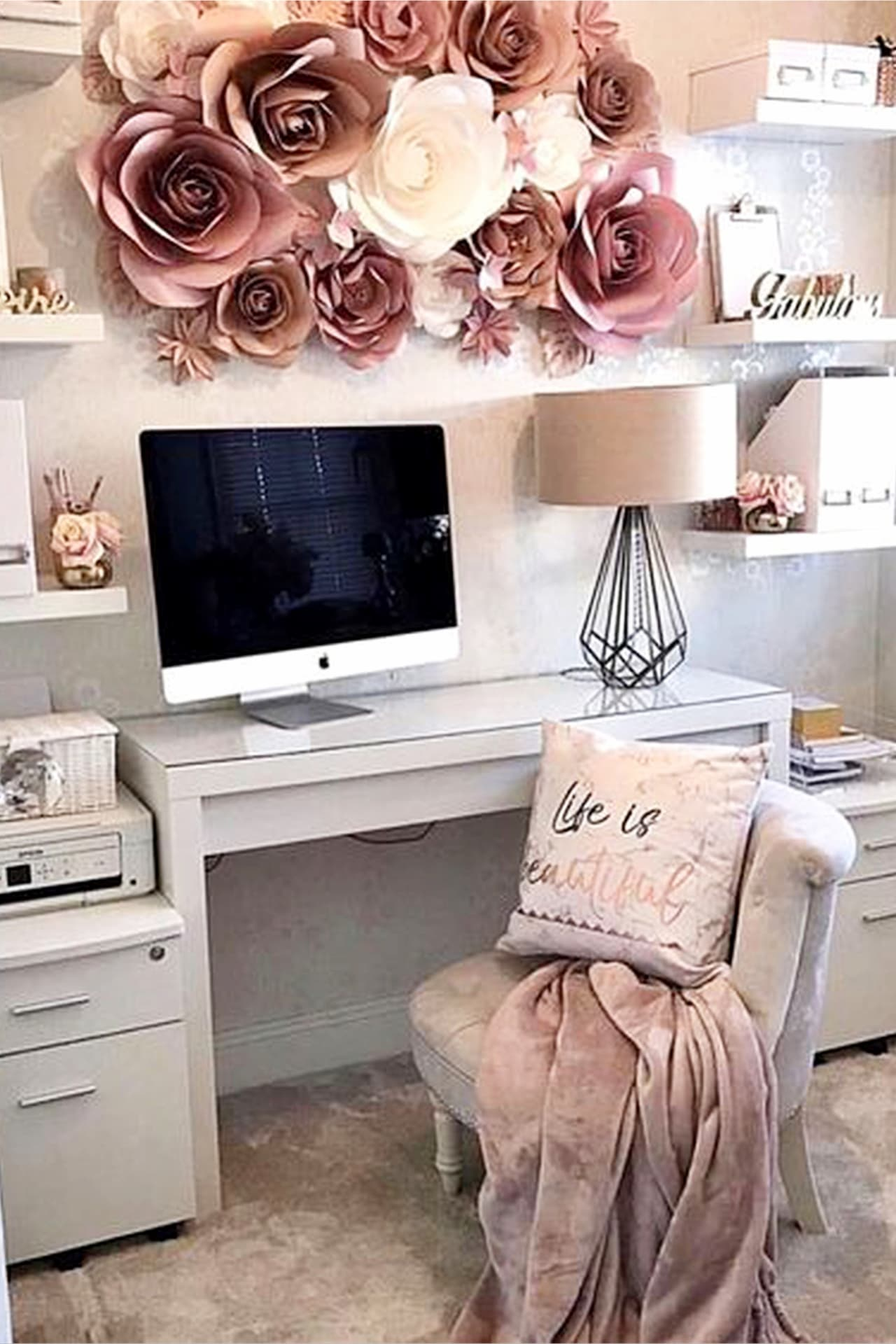 Pretty and feminine home office ideas for women and Girl Bosses!  Work from home?  You NEED a beautiful workspace to spark your creativity.  The rose gold /dusty rose home office decor accents are gorgeous!