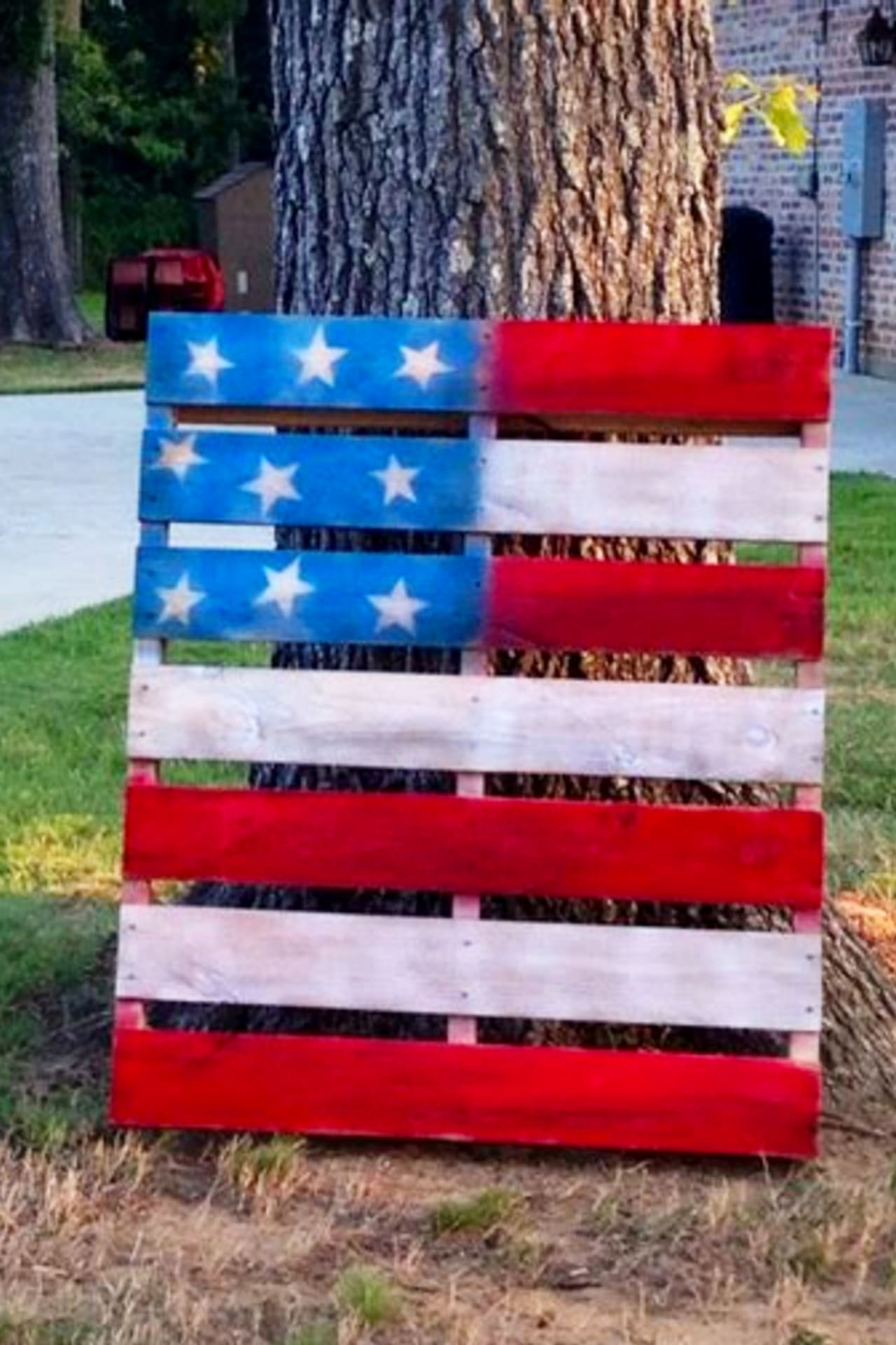 4th of July party ideas - yard decorations for a 4th of July party