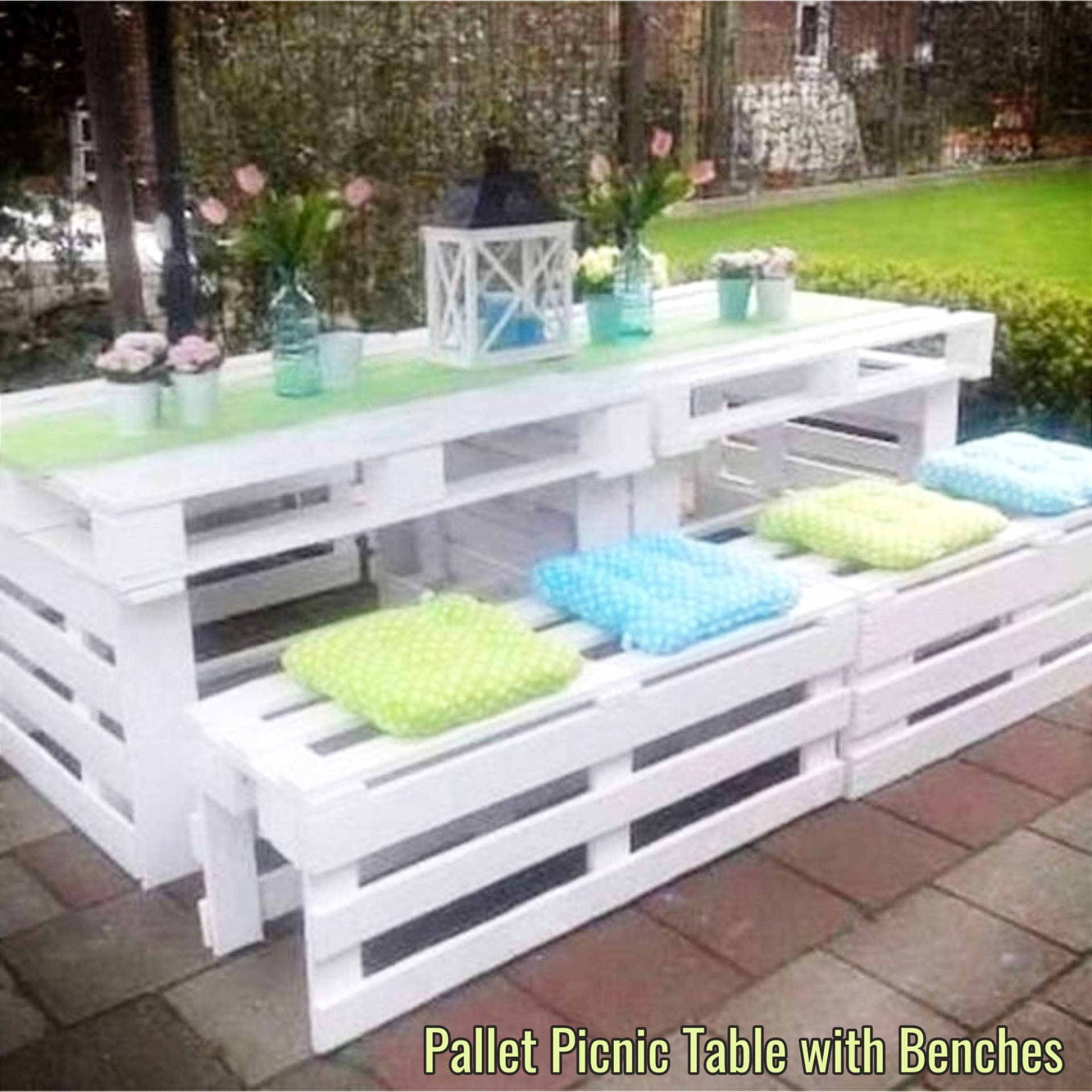 Pallet Projects - Easy DIY outdoor pallet furniture and pallet projects to make or sell - VERY clever pallet projects!  Pallet picnic table with benches all made from old pallet wood