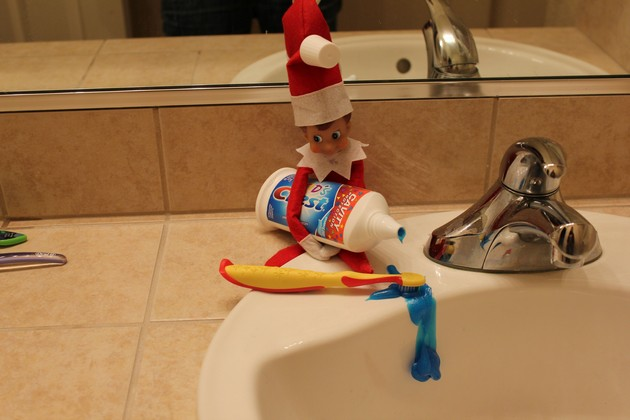 Fun idea for little kids with Elf on the Shelf.  Lots of ideas for tonight on this page
