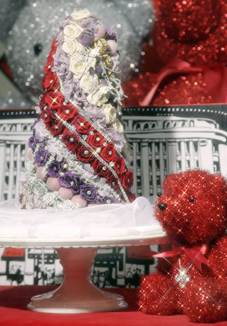 Fake Christmas tree decorating idea: decorate with diamonds and flowers