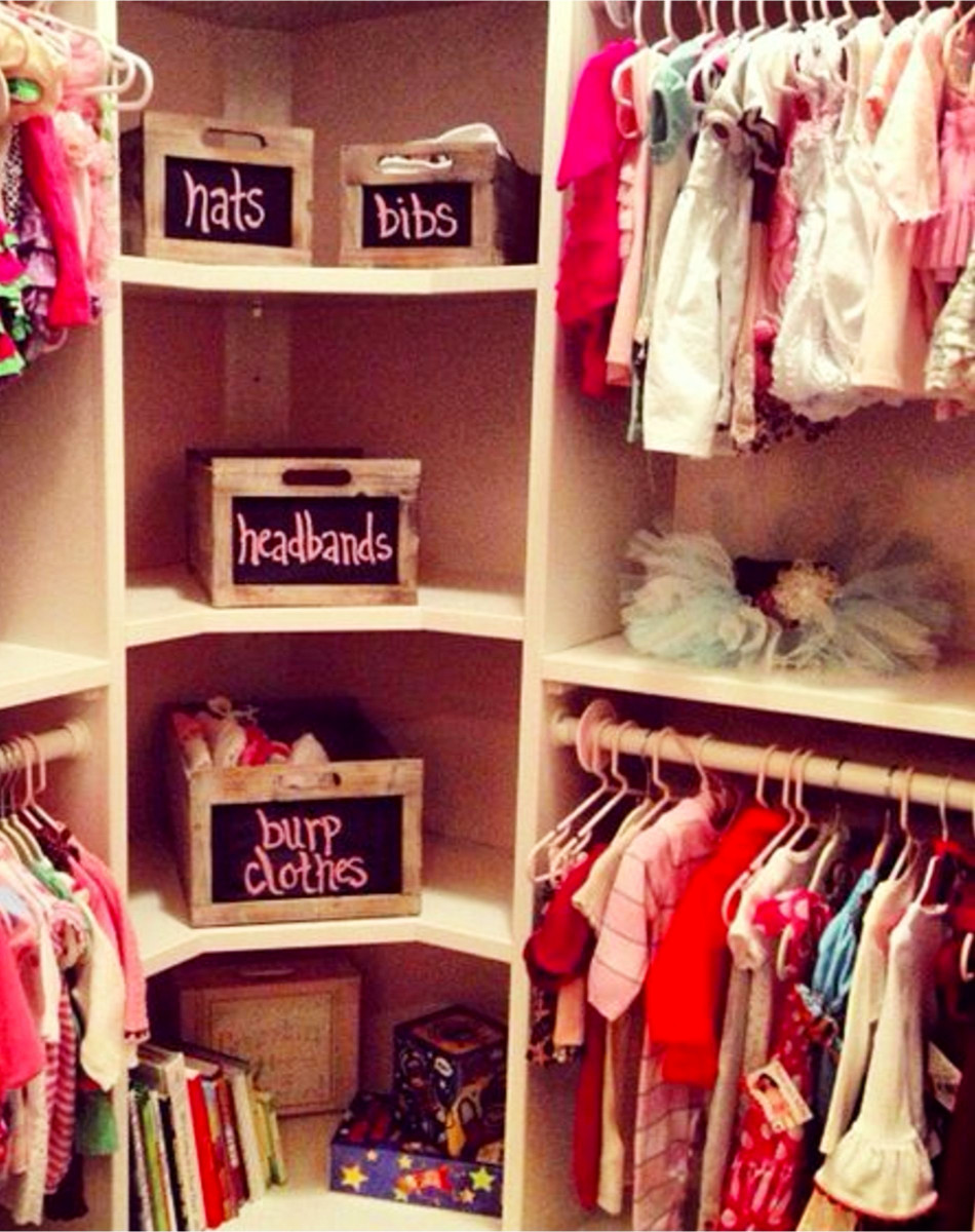 Baby girl nursery closet organization - great way to organize your baby girls clothes and hair items in the nursery closet