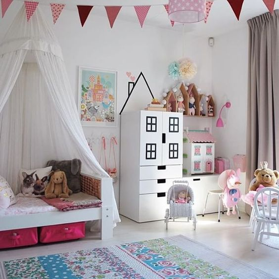 Canopy bed and bedroom decor idea for little girls. #littlegirlsroom #bedroom #bedroomideas #bedroomdecor #diyhomedecor #homedecorideas #diyroomdecor #littlegirl #toddlergirlbedroomideas #toddler #diybedroomideas #pinkbedroomideas