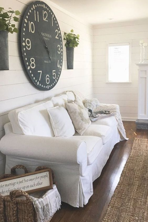 farmhouse living room decor idea & Farmhouse living room ideas - #livingroomideas #farmhouselivingroomideas #farmhousedecor #livingroomdecor #diyhomedecor #homedecorideas #diyroomdecor #farmhousestyle #rustichomedecor