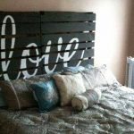 DIY pallet headboard - make a headboard for your bed from old pallet wood