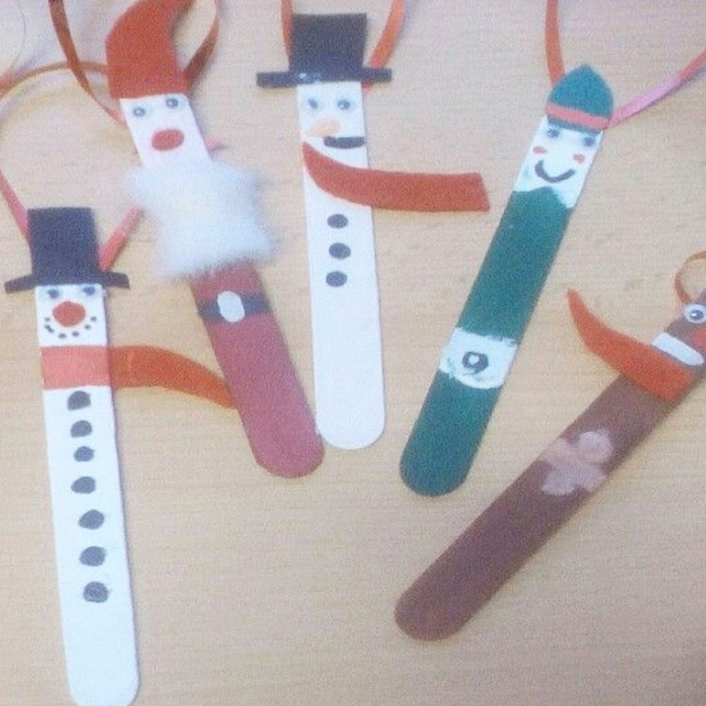 Popsicle Stick Christmas Crafts our readers made • Popsicle Stick Crafts Christmas Crafts • Easy Christmas Crafts for kids, toddlers or adults to make • DIY Christmas Ornaments • Christmas Decorations To Make