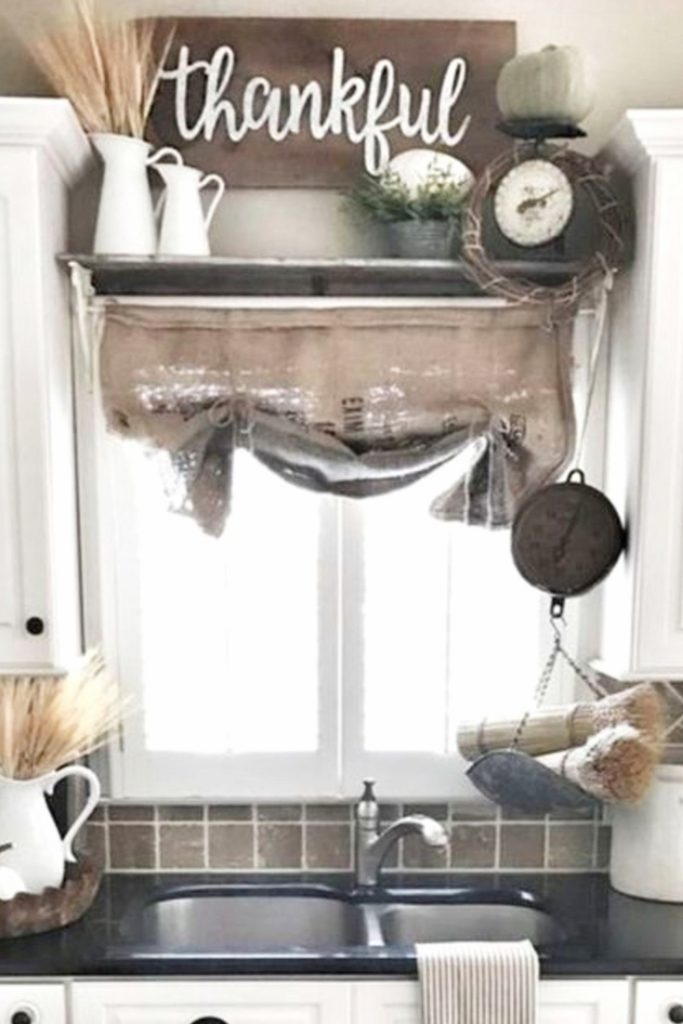 Farmhouse Budget Ideas for your Kitchen • Farmhouse Kitchen Ideas on a Budget • Farm House Kitchen Decorating Ideas • Farmhouse Kitchen Decor Ideas • DIY Farmhouse Kitchen Ideas on a Budget