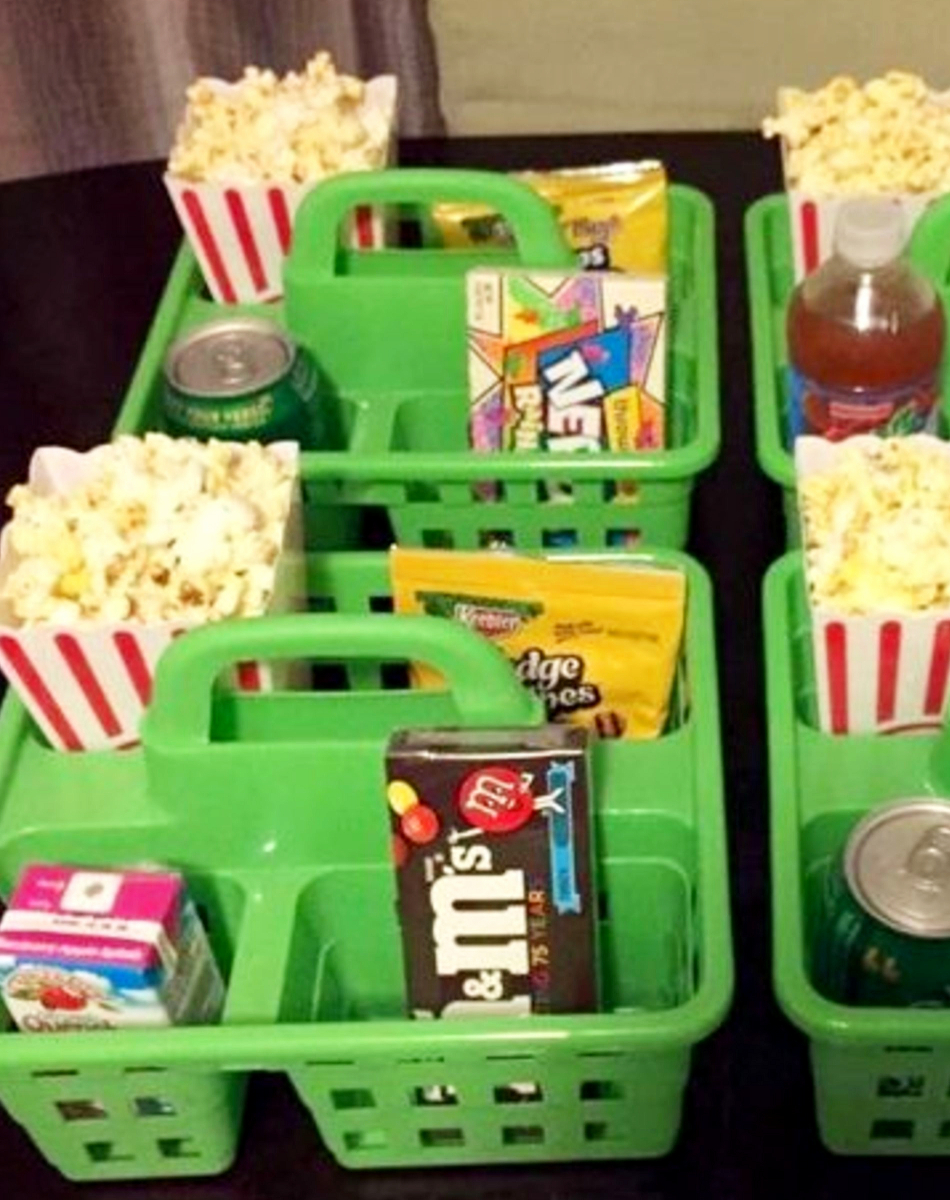 Turn New Years Eve into an extra-special family movie night where everyone gets their own snack caddy! Family-friendly New years Eve Party ideas for families and kids