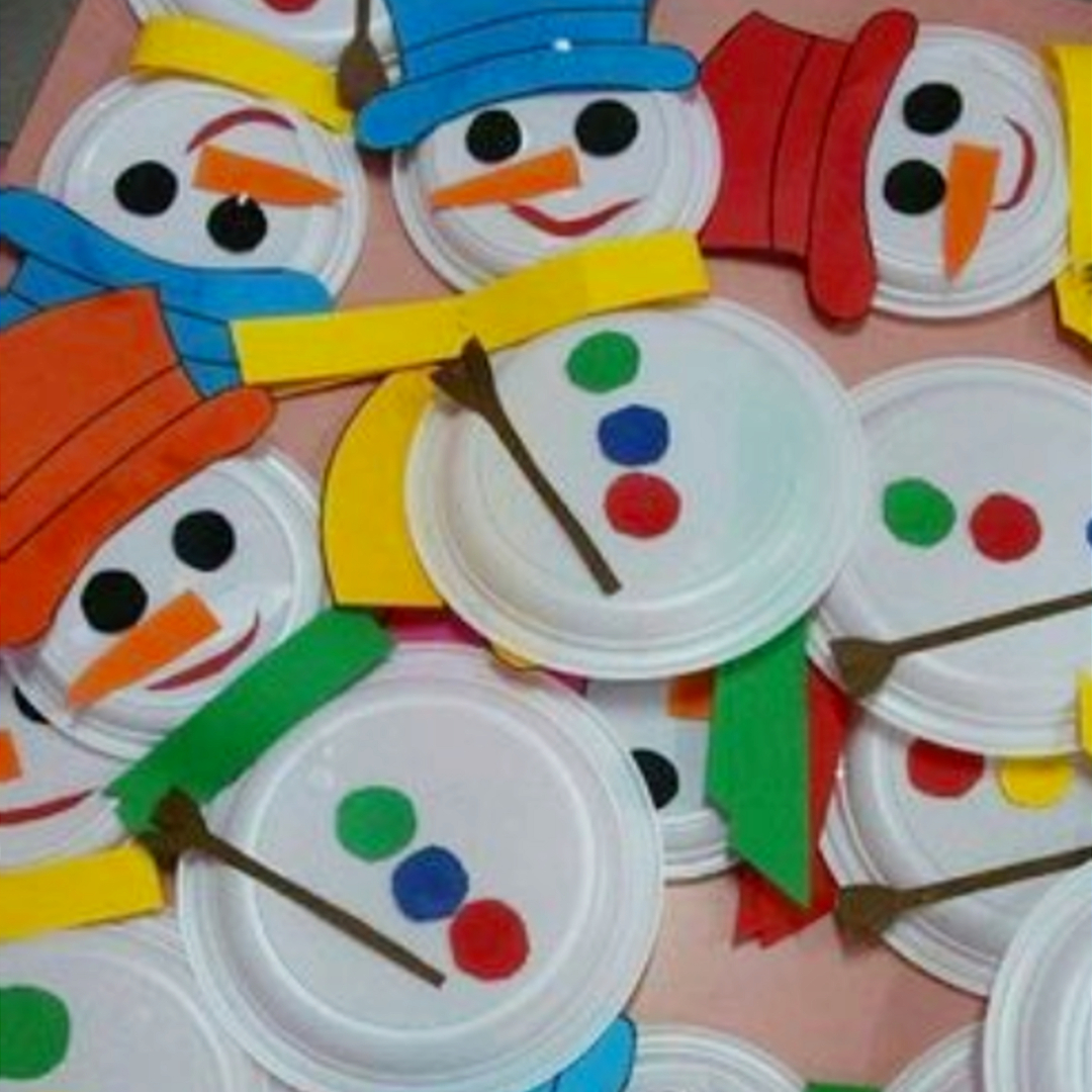 Super cute (and EASY) snowman Christmas crafts for kids to make from paper plates
