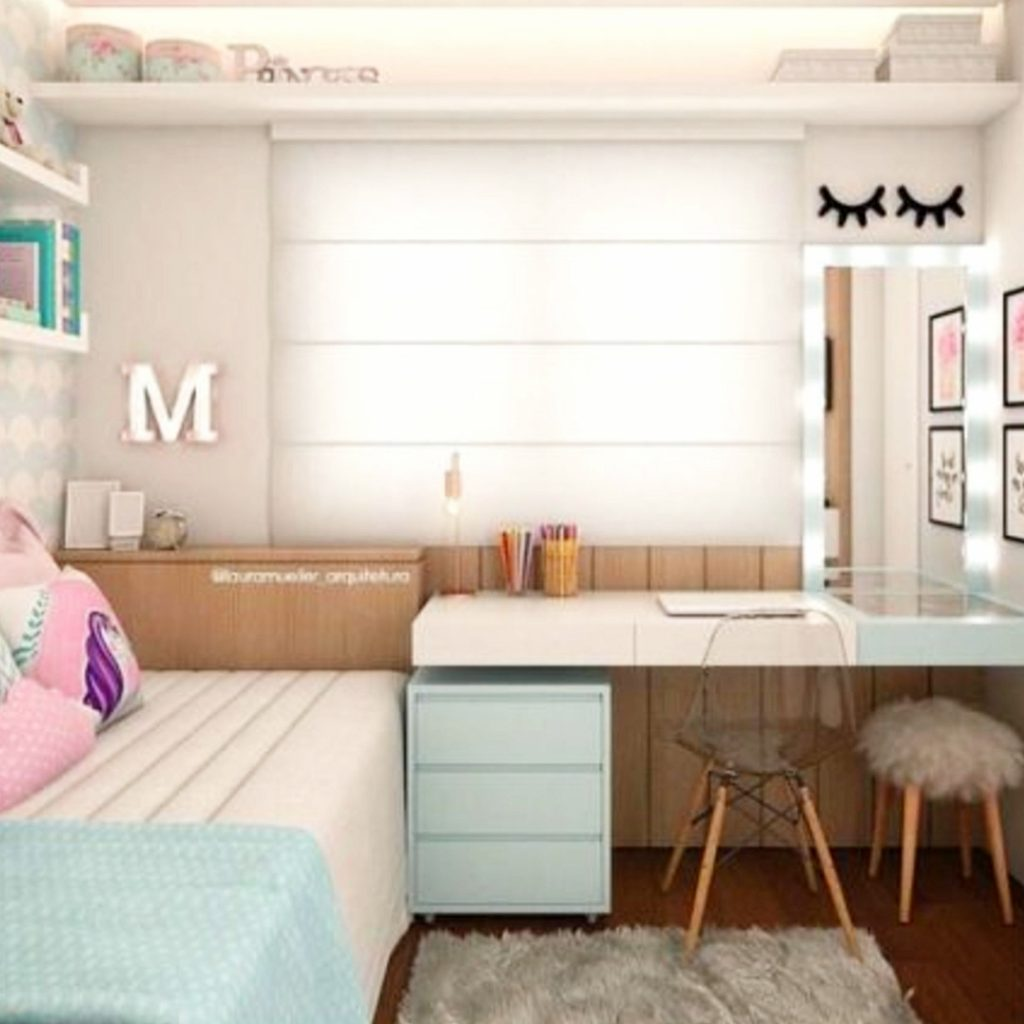 Cute dorm room decorating ideas! #dormroomideas #goals