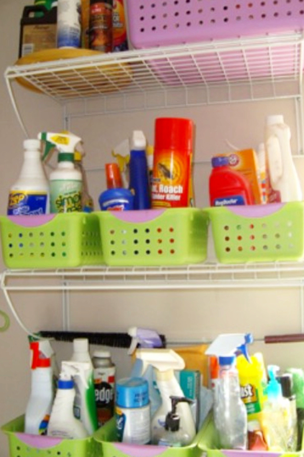 Dollar Store DIY! Easy Dollar Store Hacks for Parents - Mom Hacks for Organizing Life on a Budget. These are awesome parenting hacks from Dollar Stores that you can do TODAY!