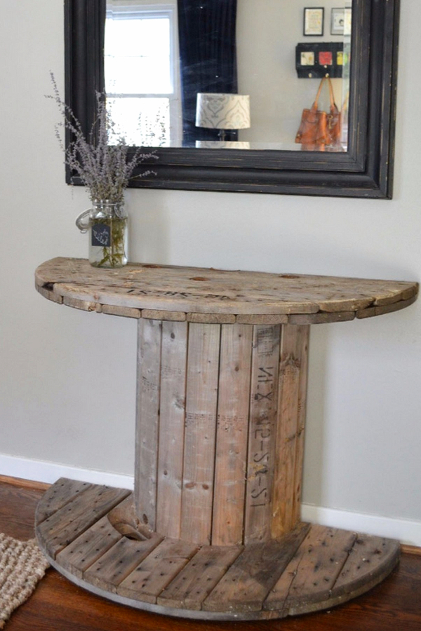 Cheap Rustic Decor Ideas for the Foyer - cable spool foyer table - Easy DIY Rustic Home Decor Ideas on a Budget