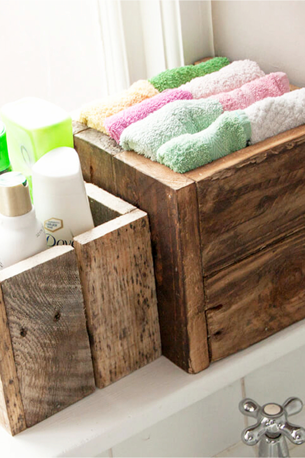 Rustic Bathroom Decor ideas - Get organized with old wood boxes and crates - Easy DIY Rustic Home Decor Ideas on a Budget
