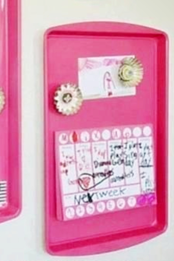 Spray paint old cookie sheets/baking pans for a DIY magnet board for your room - how to decorate your room without buying anything