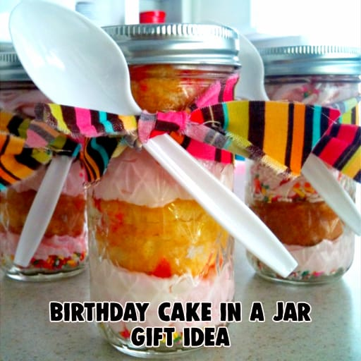 Cake in a Jar - birthday cake in a jar gift ideas and more mason jar cake recipes and creative cupcakes in a jar ideas