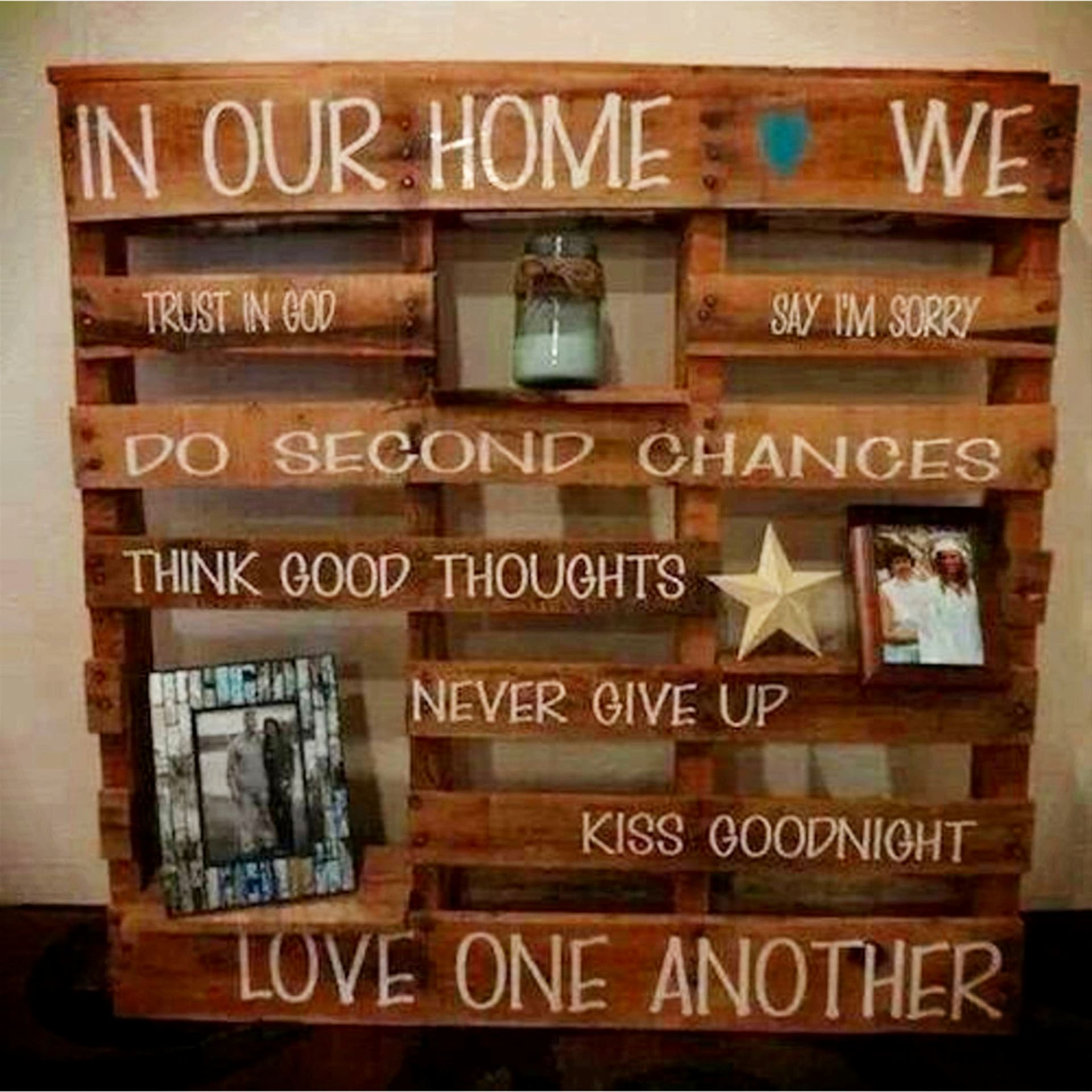 Pallet Projects - easy pallet projects ideas to make or sell - DIY pallet wall sign 'in our home' saying - makes a great handmade gift too