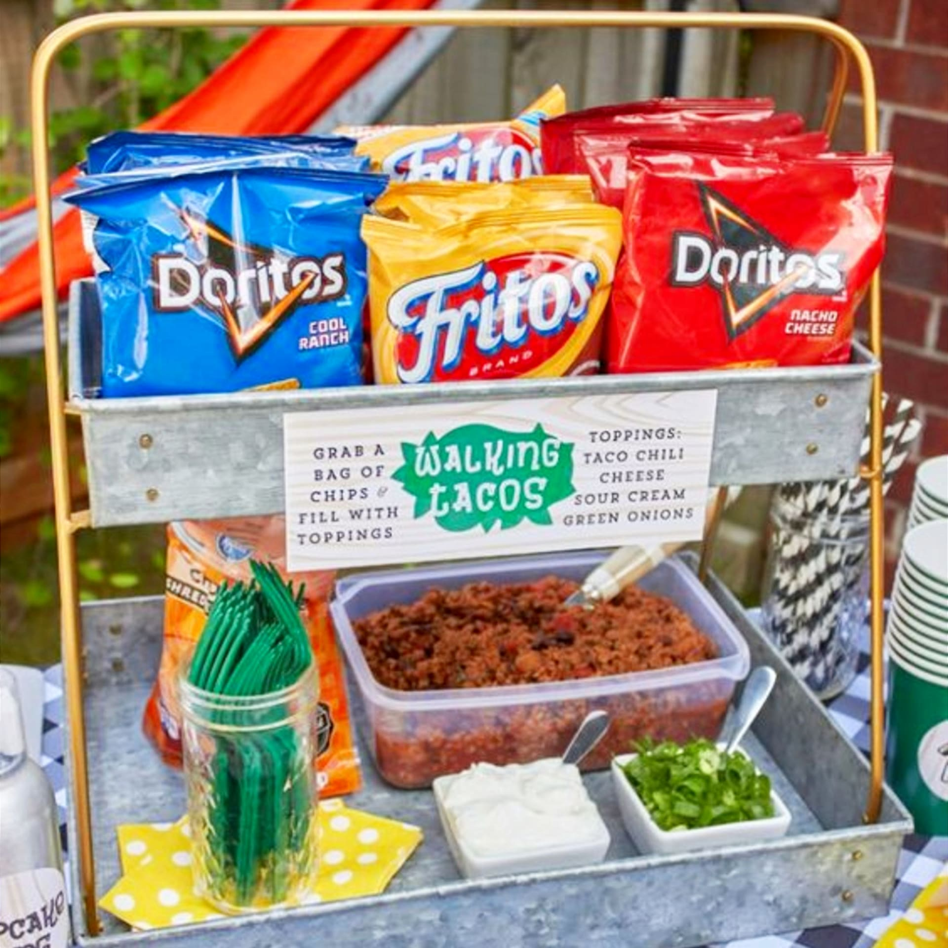 Easy party food ideas for a crowd - BBQ cookout, backyard party, block party or ANY party where you need to please a crowd