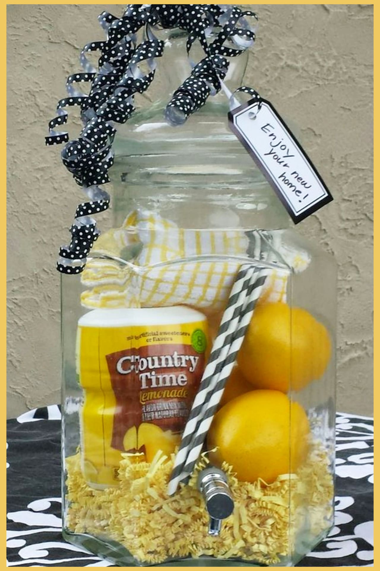 Housewarming Gifts For First Time Homeowners in Their First Home -Unique Housewarming Gift Ideas and DIY Housewarming Gifts They'll Love - First Time Home Buyer Gift Basket - lemonade gift basket ideas